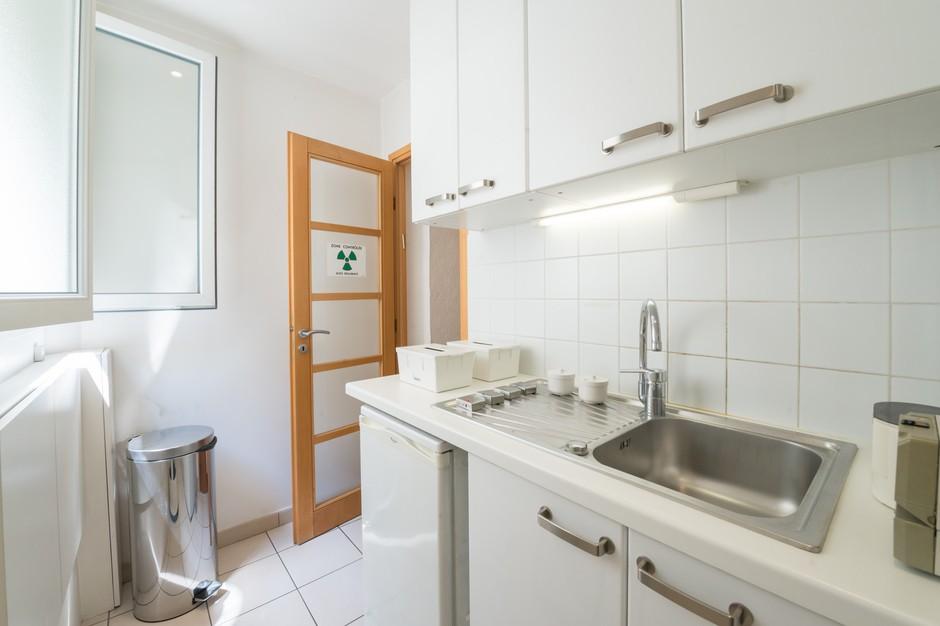 espace de st rilisation du cabinet dentaire dentiste paris 16. Black Bedroom Furniture Sets. Home Design Ideas